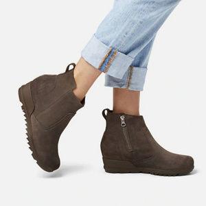 New Sorel Envie leather wedge bootie 7 38 major